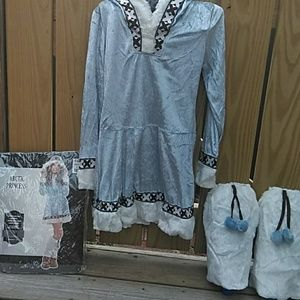 EUC Girls Artic Princess costume size Med/youth